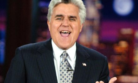 """Jay Leno: """"Late Night Shows Are Depressing"""" """"Too Anti-Trump"""""""